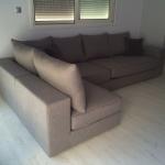 Γωνιακός καναπές καρέ γραμμή